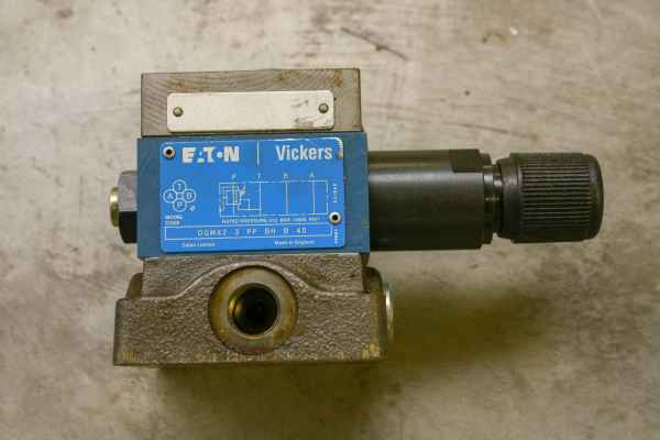Eaton - Vickers DGMA-3-C1-10 Hydraulikventil