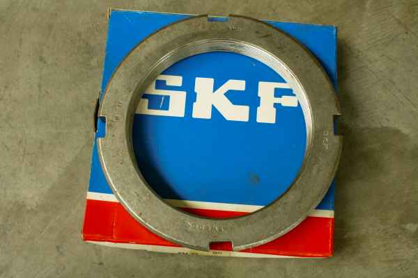 SKF shaft nut KM21